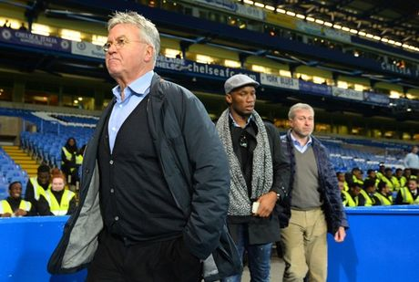 Chelsea se nhanh chong vo mong voi Hiddink - Anh 3