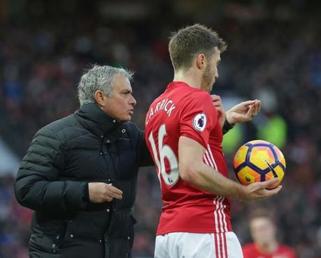 Carrick: 'Gianh ve du Champions League thi co gi dang an mung' - Anh 1