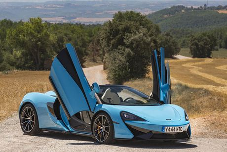 Ve dep thuc te sieu xe mui tran McLaren 570S Spider - Anh 4