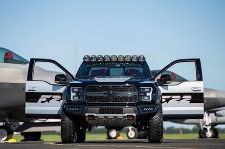 Ford F150 Raptor may bay tang hinh F-22 'chot gia' 6,8 ty - Anh 6