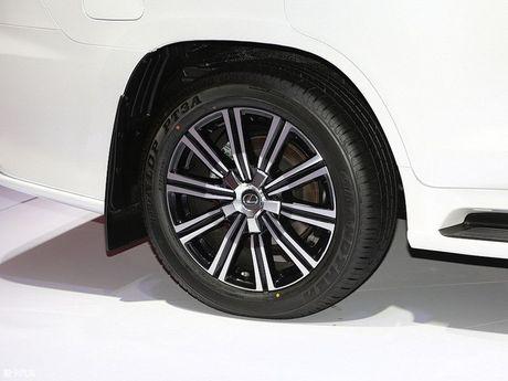 Lexus LX570 Superior 2018 tại TQ có gì mới giá bao nhiêu