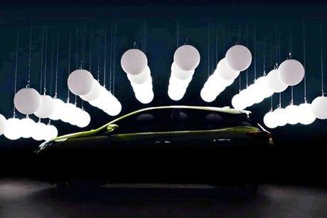 Toyota Yaris 2018 hatchback 'lo hang' truoc ngay ra mat - Anh 1