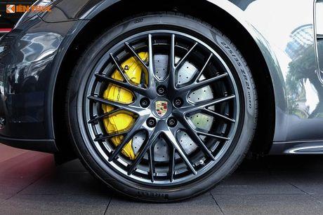 Dan choi Sai Gon chi 3,5 ty do Porsche Panamera 4S - Anh 4