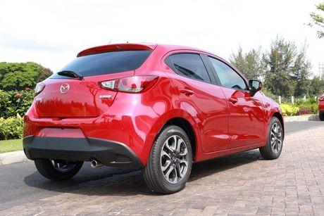Loat xe oto Mazda tai Viet Nam giam gia thang 10/2017 - Anh 4