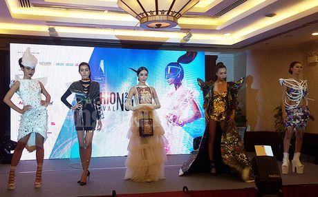 TP. Ho Chi Minh quang ba du lich qua Le hoi thoi trang va cong nghe - Anh 1