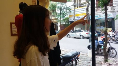 Co gai tre live stream dan bang ve sinh quanh o to: 'Toi nhac nhieu nhung chu xe khong nghe' - Anh 6