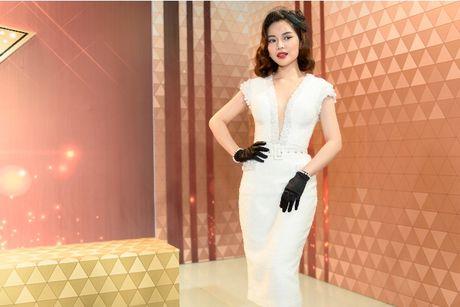 Giang Hồng Ngọc khiến giám khảo ngỡ ngàng vì quá xinh đẹp, sang chảnh 2