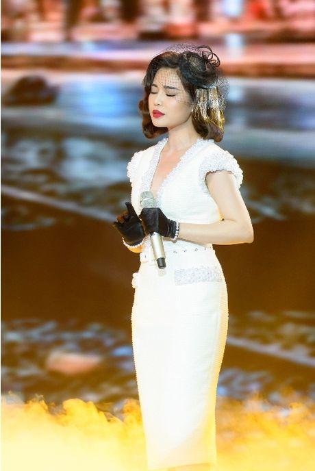 Giang Hồng Ngọc khiến giám khảo ngỡ ngàng vì quá xinh đẹp, sang chảnh 3