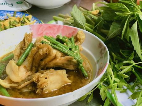Bun Num Bo Choc - huong vi bun ca den tu Campuchia o cho Ho Thi Ky, TP.HCM - Anh 8